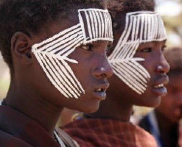 נערים אפריקאיים בני 12-13