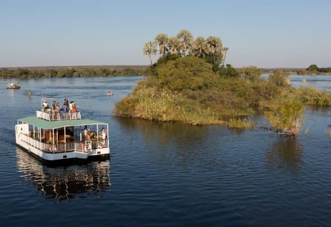 ספארי שייט בנהר הזמבזי רחב הידיים